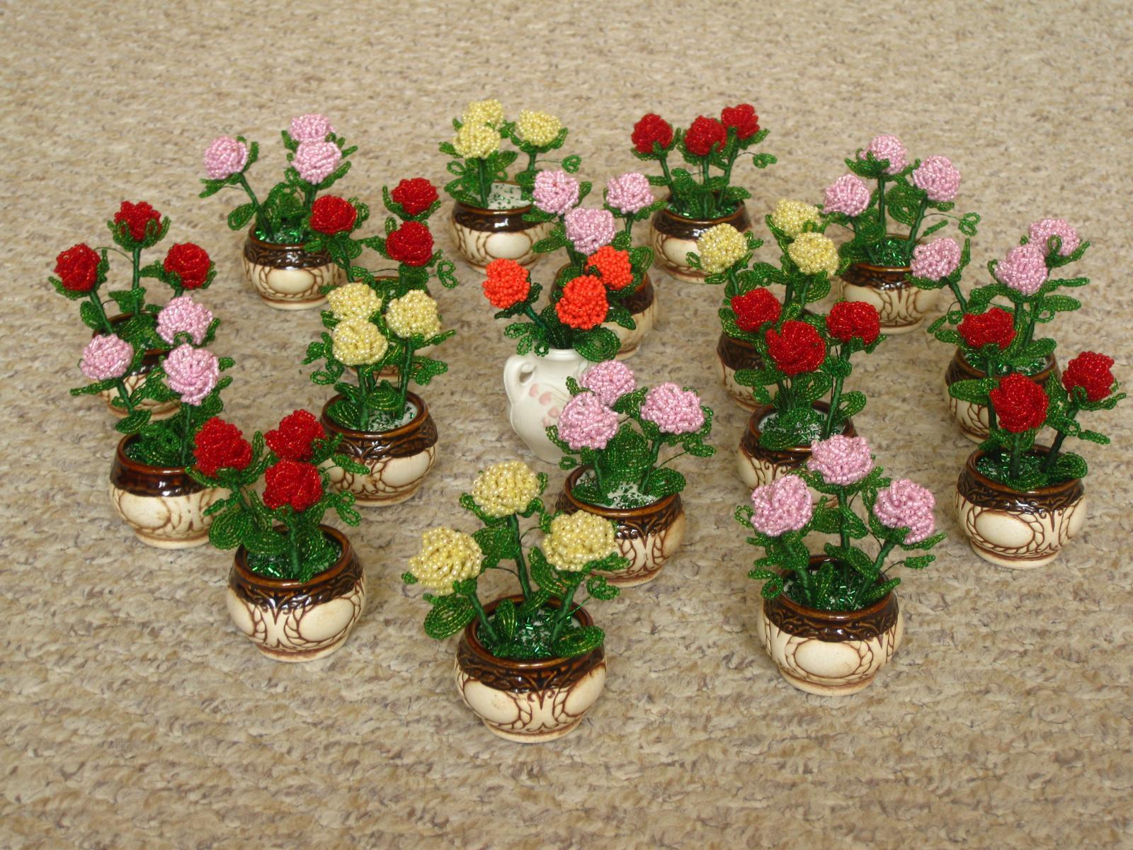 Цветы из бисера своими руками на подарок 45