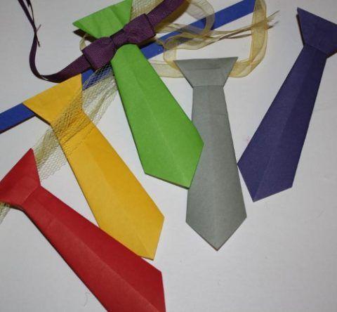 Более классические оригами-галстуки.