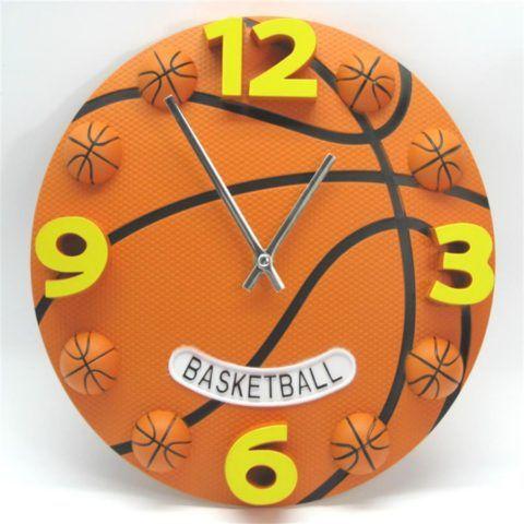 Часы в виде баскетбольного мяча
