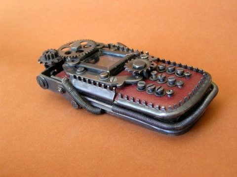 Чехол для телефона в подарок в стиле стимпанк.