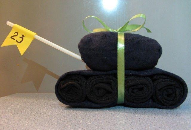 Подарок на 23 февраля из носков: оригинальные идеи PoiskPodarkov.com