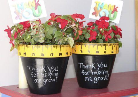 Горшочки с надписями и поздравлениями для педагога