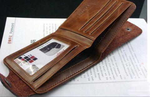 Классический кожаный кошелек.