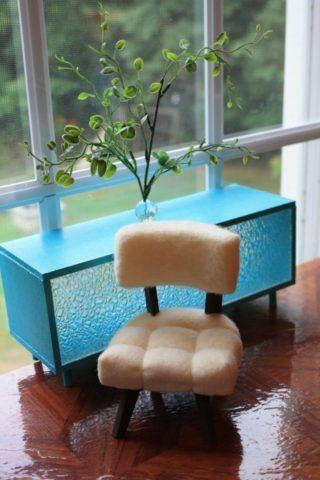 Комод и стул