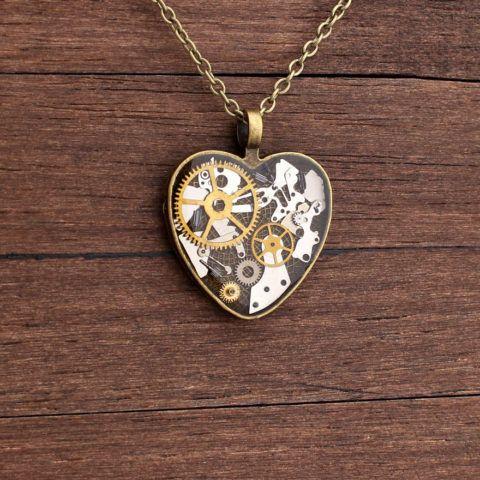 Медальон в подарок «Сердце» в стиле стимпанк.