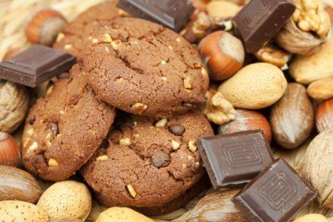 Песочное печенье с орехами.