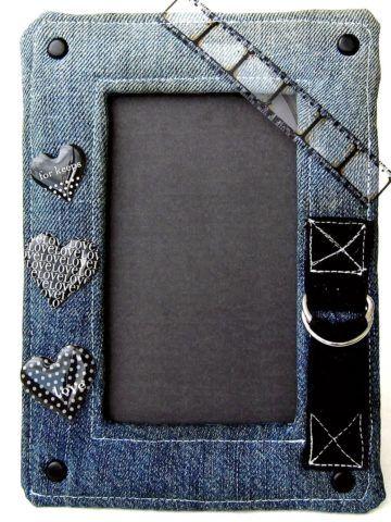 Рамка из джинсовой ткани.