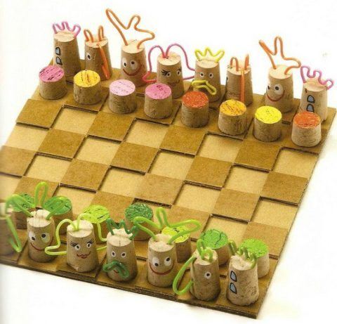 Шахматы из винных пробок