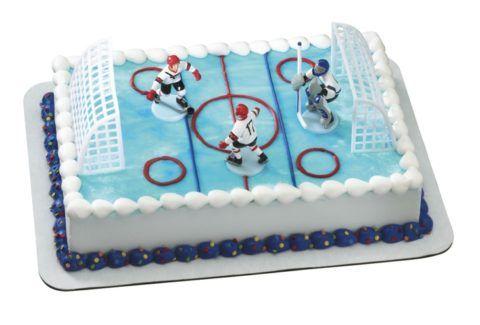 Торт в виде хоккейного поля.