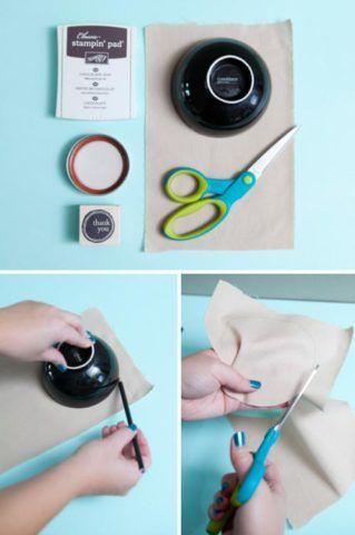 Вырезаем ровный круг из ткани.