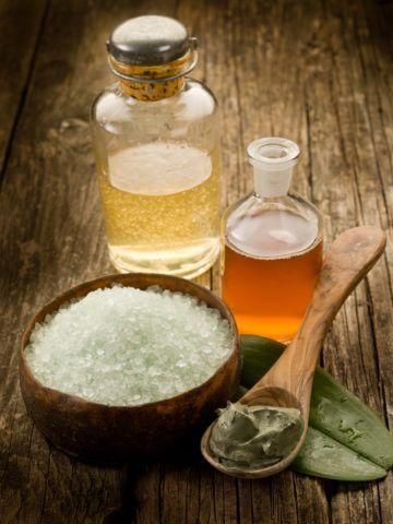Ароматическое масло, пена и соль для ванны