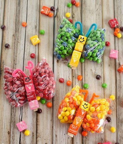 Бабочки из конфет