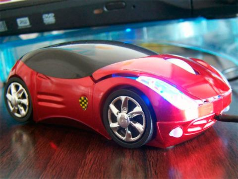 Что подарить на день рождения автомобилисту – неплохим презентом будет компьютерная мышь-машинка