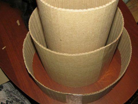 Делаем картонные стенки.