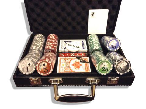 Элитный набор для покера в кейсе.