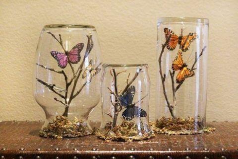 С бабочками.