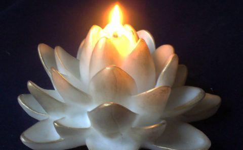 Красивая свеча.