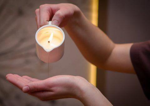 Массаж с использованием специальной свечи.