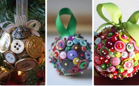 Новогодние шары из пуговиц.