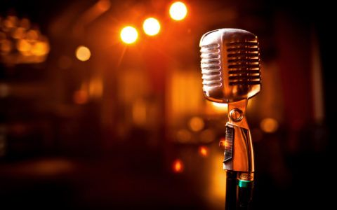 Песня в собственном исполнении – неплохой презент