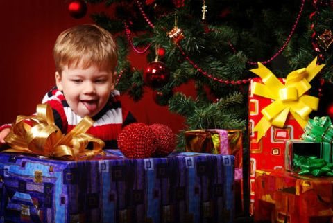 Предвкушение радости от подарков Деда Мороза.