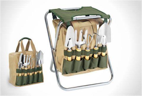 Садовая сумка-стульчик позволит компактно хранить инструменты.