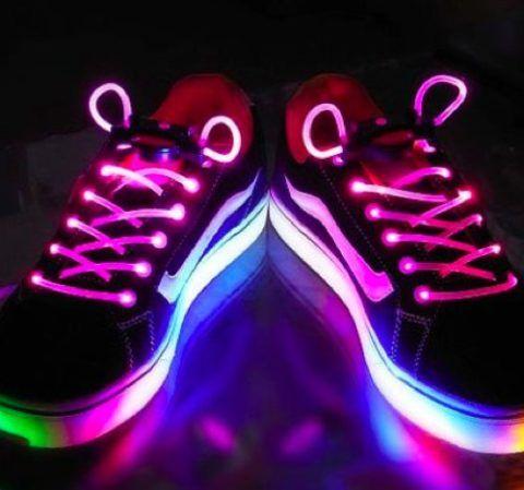 Светящиеся шнурки для кроссовок.