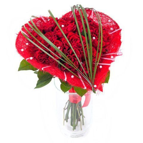 Цветы девушке на 14 февраля
