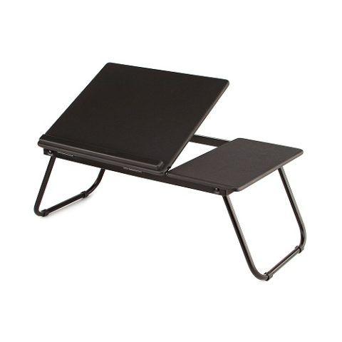 Удобный столик для ноутбука.