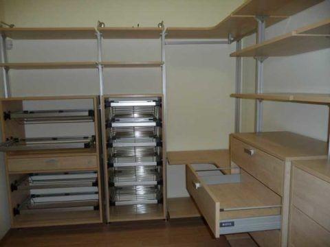 Угловая вместительная мебель