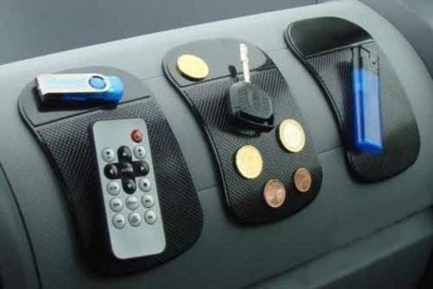 Автомобилистам пригодится такой набор со всем полезным.