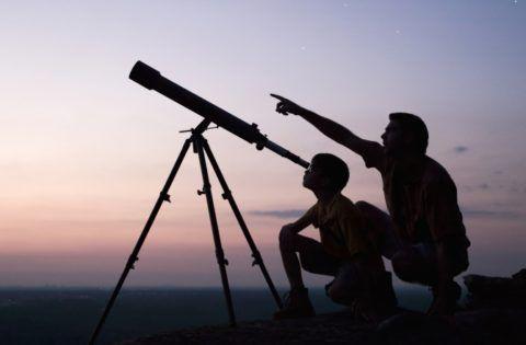 Что подарить крестной на день рождения? - телескоп подойдет и для крестной и для крестника.