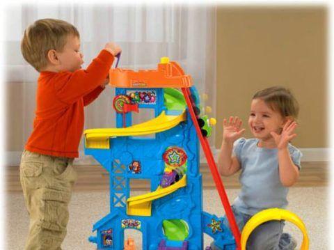 Дети играют – родители отдыхают.