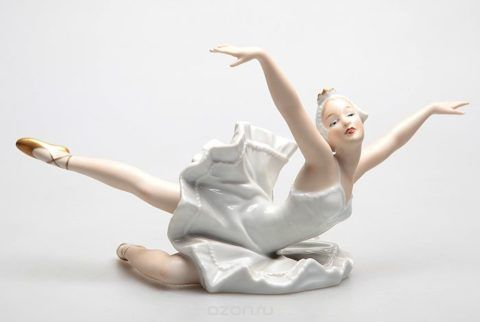 Фарфоровая статуэтка «Балерина».