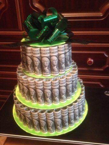 Готовый торт во всём своём великолепии.
