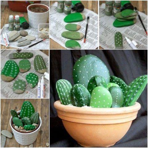 Из гальки можно сделать и горшочек с кактусами.