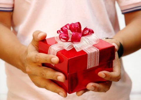 Какой выбрать оригинальный подарок?