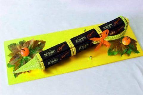 Карандаш из конфет – простой самодельный подарок