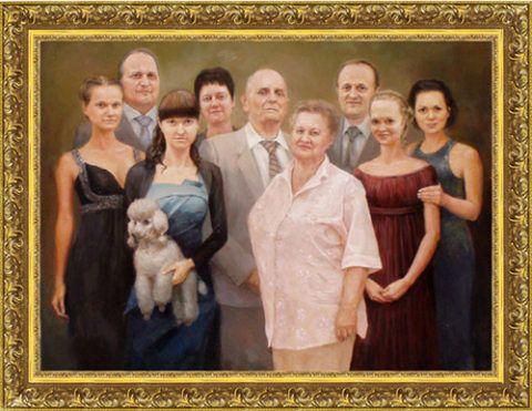 Картины в золотой рамке