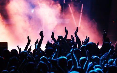 Концерт – возможность потанцевать, спеть любимую песню вместе и исполнителем