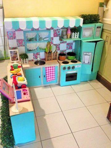 Кухня из коробок.