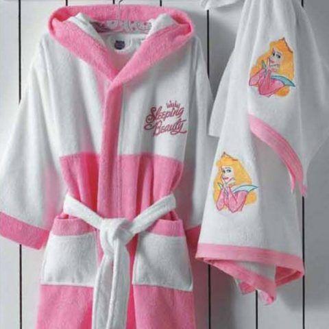 Махровый розовый банный халат для девочки.