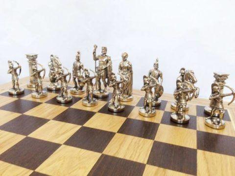 Оловянные шахматные фигурки