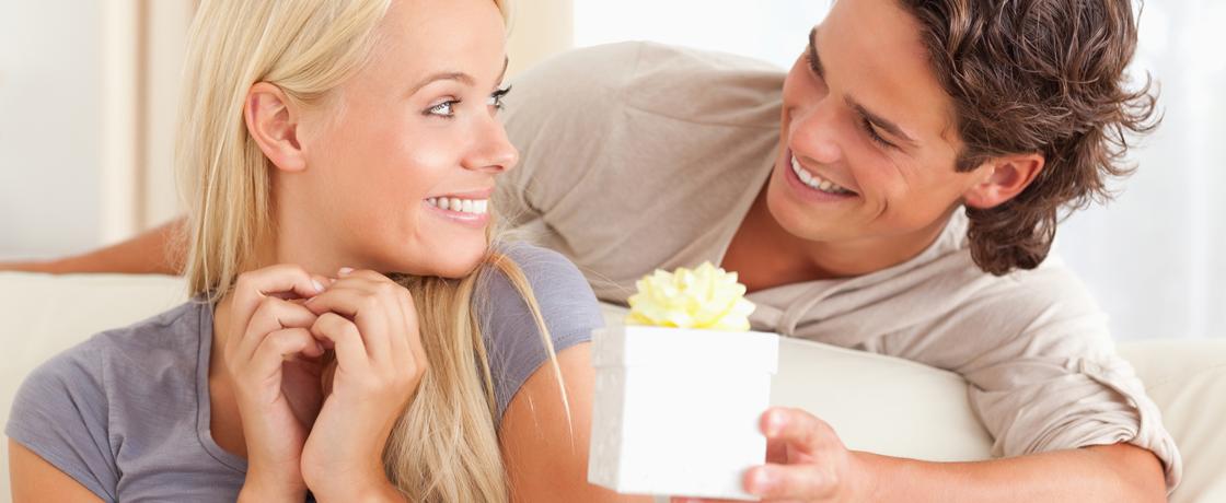 романтический подарок жене на годовщину знакомства