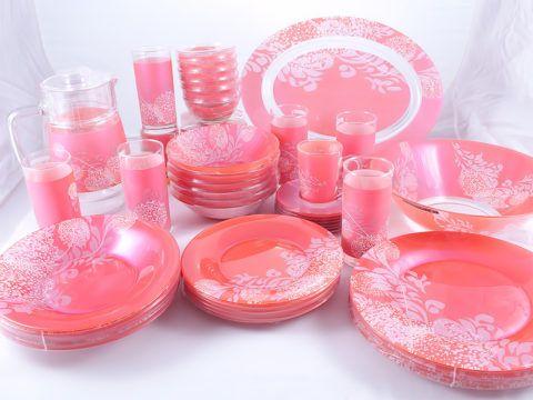 Посуда в розовых тонах