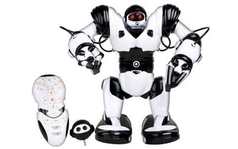 Презент крестнику, робот с дистанционным управлением.