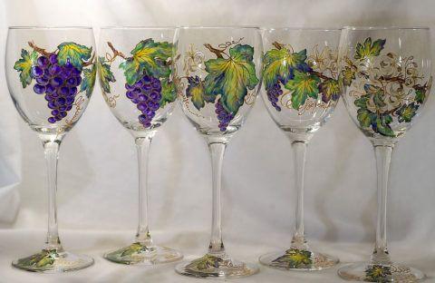 При должном таланте вы сможете так красиво украсить бокалы.