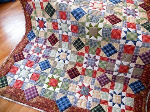 Рисунки на лоскутном одеяле могут быть самыми разными.