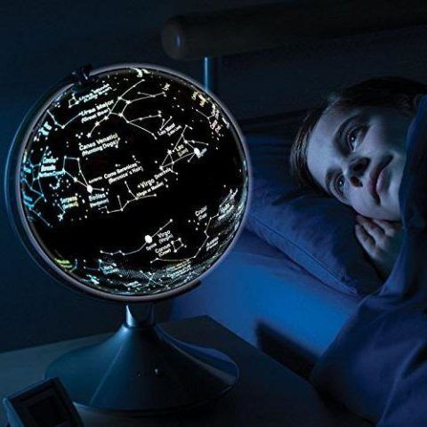 Светильник с картой звездного неба.