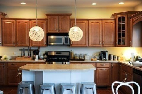 Светильники в кухне.